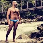 Roberto Bertolini Personal Trainer fisico muscoli con la pelle al vento pechino express (2)