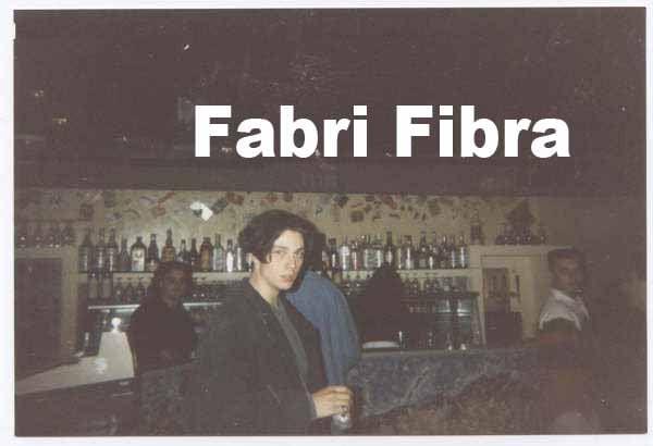 fabri-fibra-giovane-foto-18-anni