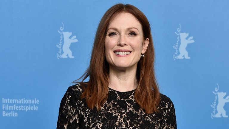 julianne-moore-gay