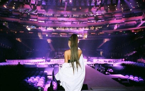 Dangerous Woman Tour Ariana Grande cancella le date (1)