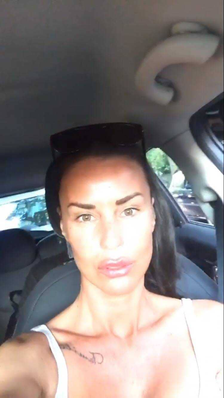 Asia Nuccetelli e Antonella Mosetti labbra (3)