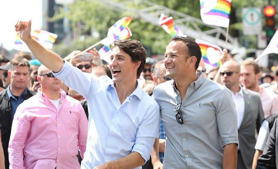 Justin Trudeau sfila al Gay Pride con il primo ministro irlandese e suo marito