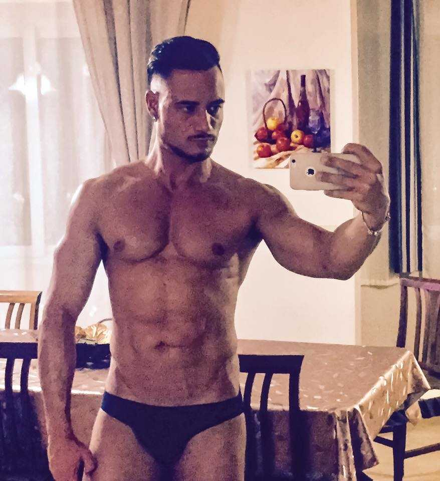 culturisti gay escort gay italiani