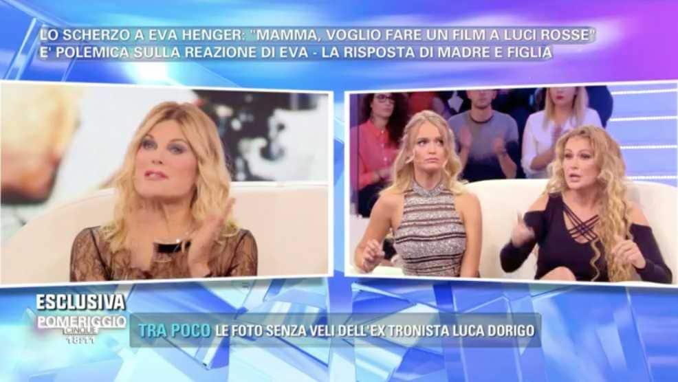Eva Henger e Patrizia Pellegrino Pomeriggio Cinque (1)