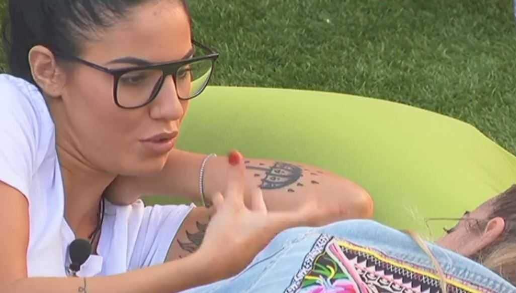 Tatuaggio Giulia De Lellis Ombrello