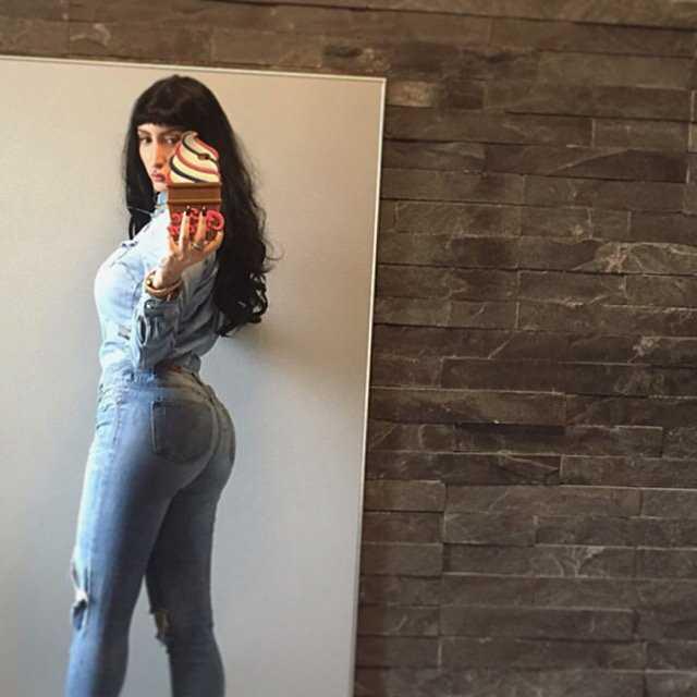 Emis Killa Annuncia Il Matrimonio Con Tiffany Mi Sposo Bitchyf