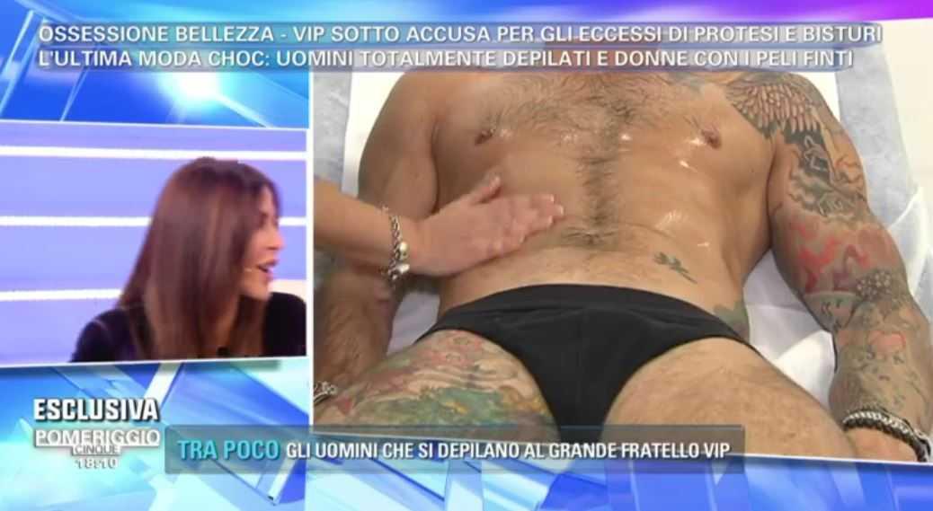 Luca Dorigo fisico nudo Pomeriggio Cinque 5 (2)