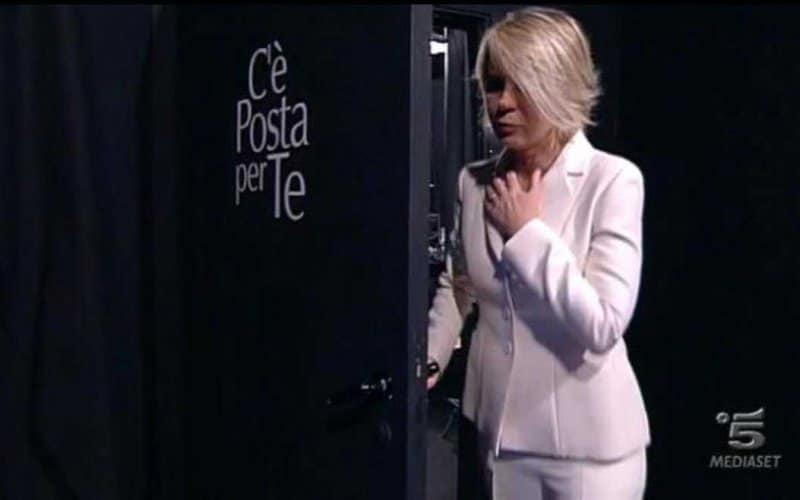 C'è Posta Per Te Maria De Filippi Porta Nera