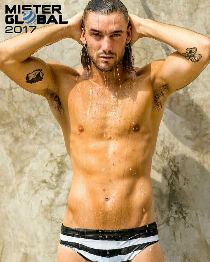 Logan Sampedro (1)