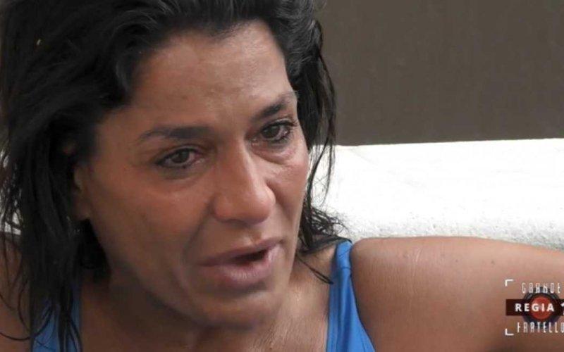 Aida Nizar piange
