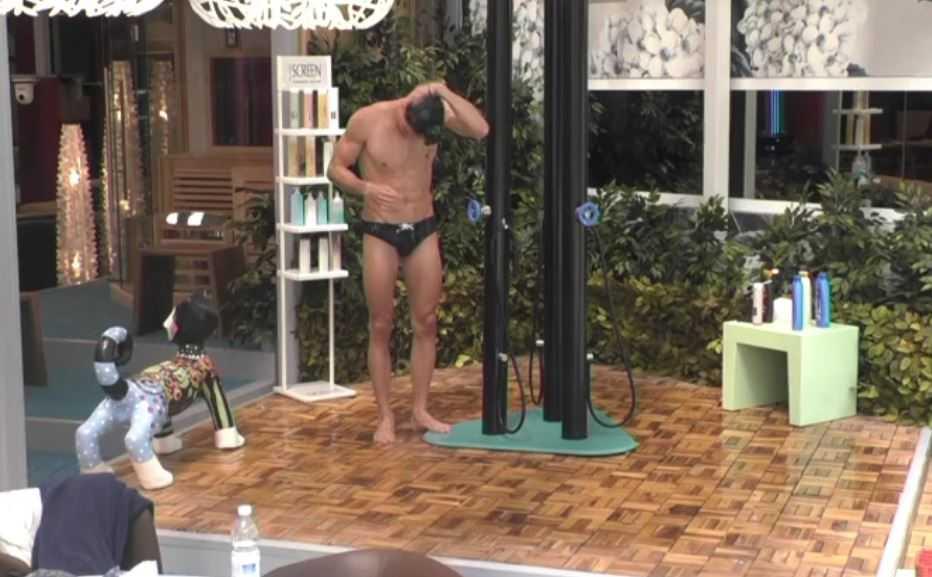 Valerio Logrieco doccia (2)