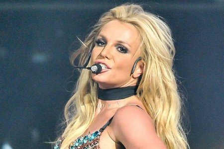 SAN JOSE, CA - DECEMBER 03:  Britney Spears performs at the NOW 99.7 Triple Ho Show 7.0 at SAP Center on December 3, 2016 in San Jose, California.  (Photo by Steve Jennings/WireImage)