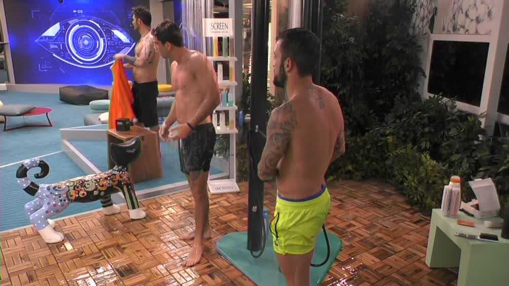 grande fratello doccia uomini (3)