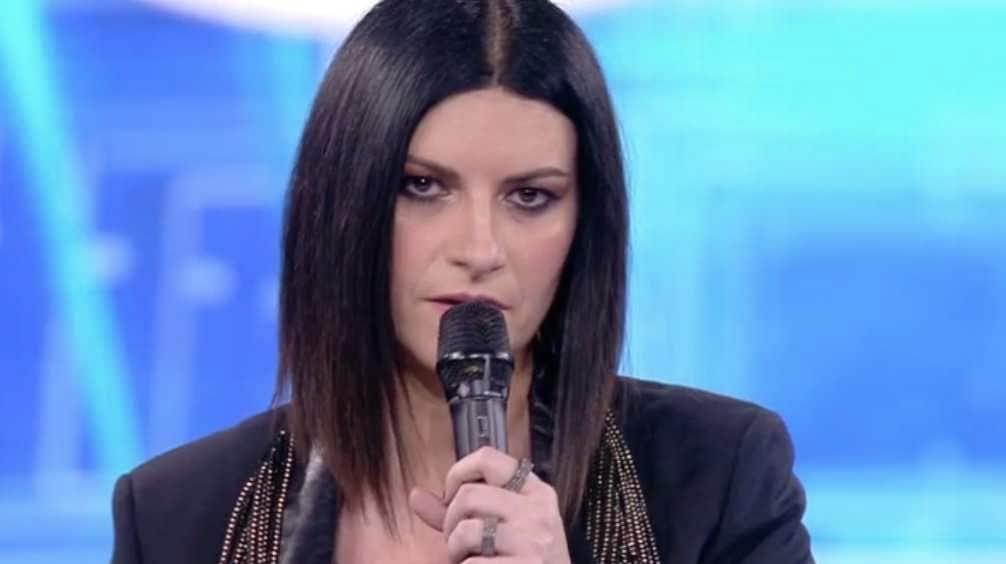 Laura Pausini Rivela A Chi E Dedicato Il Suo Nuovo Singolo