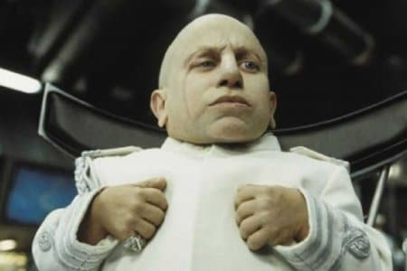 verne-troyer-mini-me-austin-powers-morto-aveva-49-anni-v3-328107-1280x720