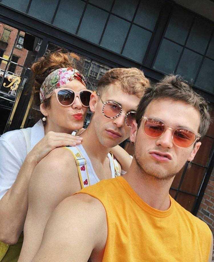 Kate Walsh, Brandon Flynn e Tommy Dorfman Gay Pride (4)
