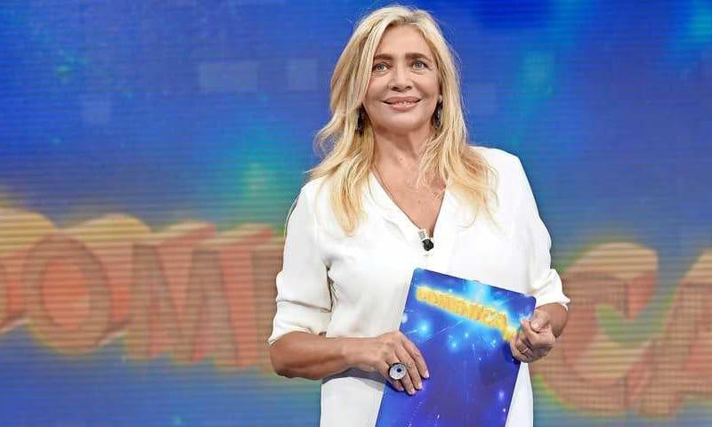 29/09/2013 Roma. Rai. Prima puntata della 38 edizione della trasmissione televisiva Domenica in. Nella foto la conduttrice Mara Venier