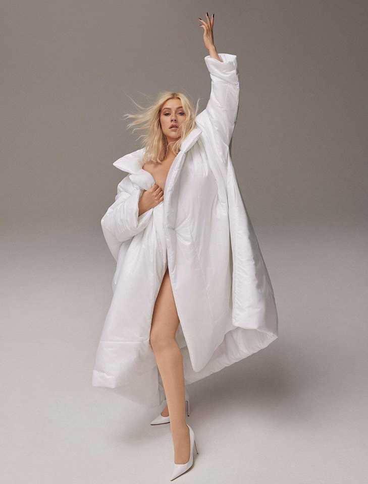 Christina Aguilera Cosmopolitan 2018 (4)