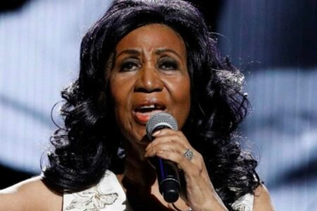 aretha franklin dead morta died omg