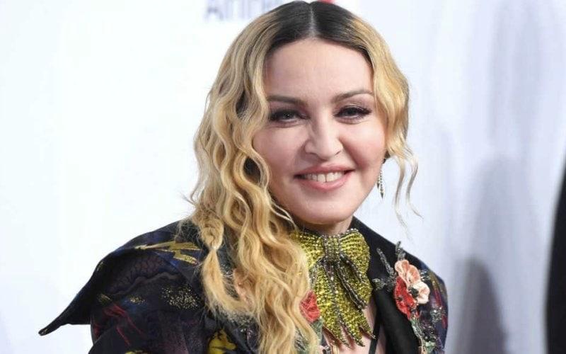 Buon Compleanno Madonna Se Dieci Popstar Le Facessero Gli Auguri