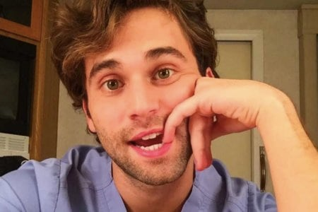 Grey's Anatomy, Jake Borelli il dottor Schmitt ha fatto coming out su Instagram Sono gay
