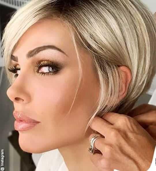 Ilary Blasi parrucca