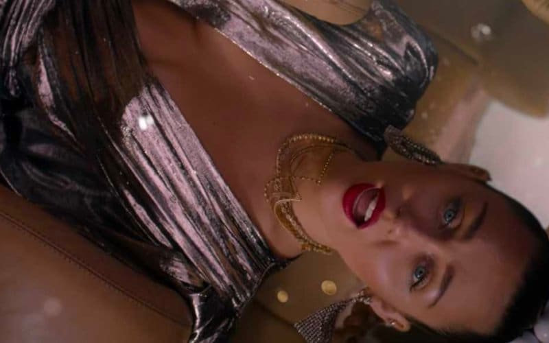 miley cyrus nothing breaks like heart video mark ronson