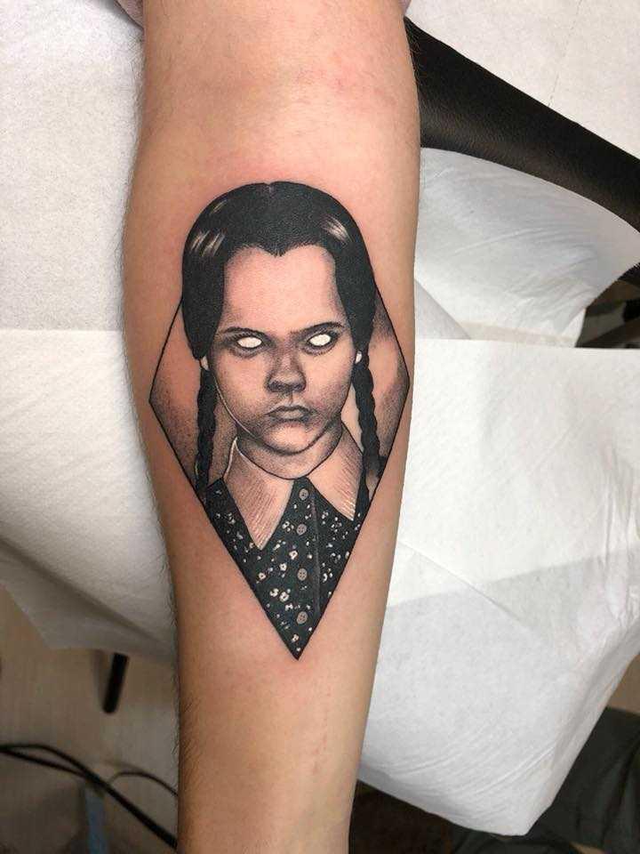 Fabiano Minacci tatuaggio Mercoledì Addams