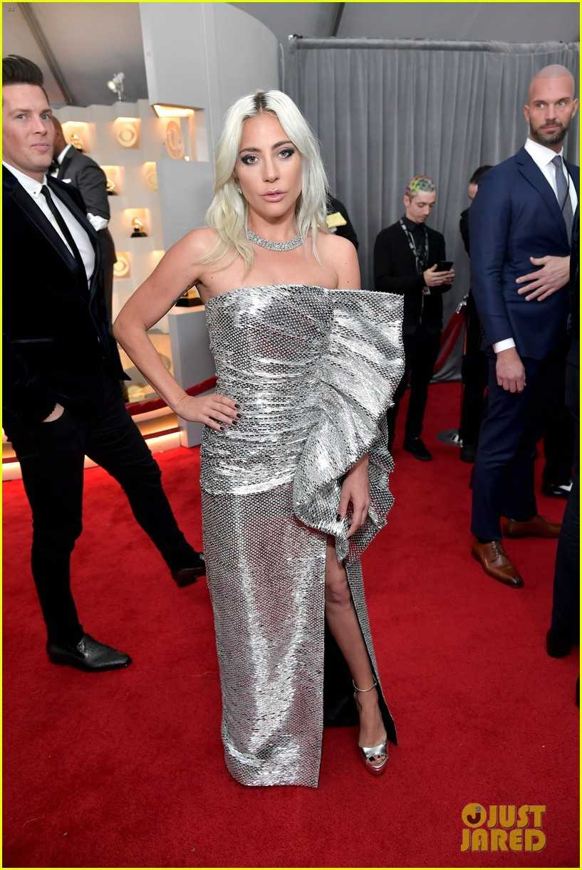 lady-gaga-grammys-2019-red-carpet-03