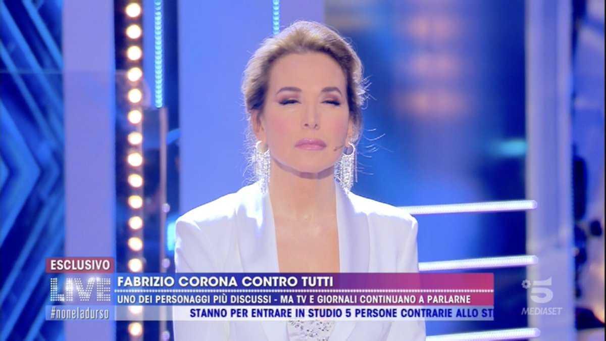 Barbara d'Urso faccia scuse Fabrizio Corona