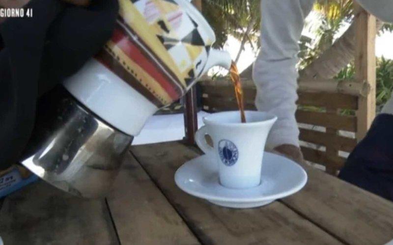 sponsor isola dei famosi caffè borbone
