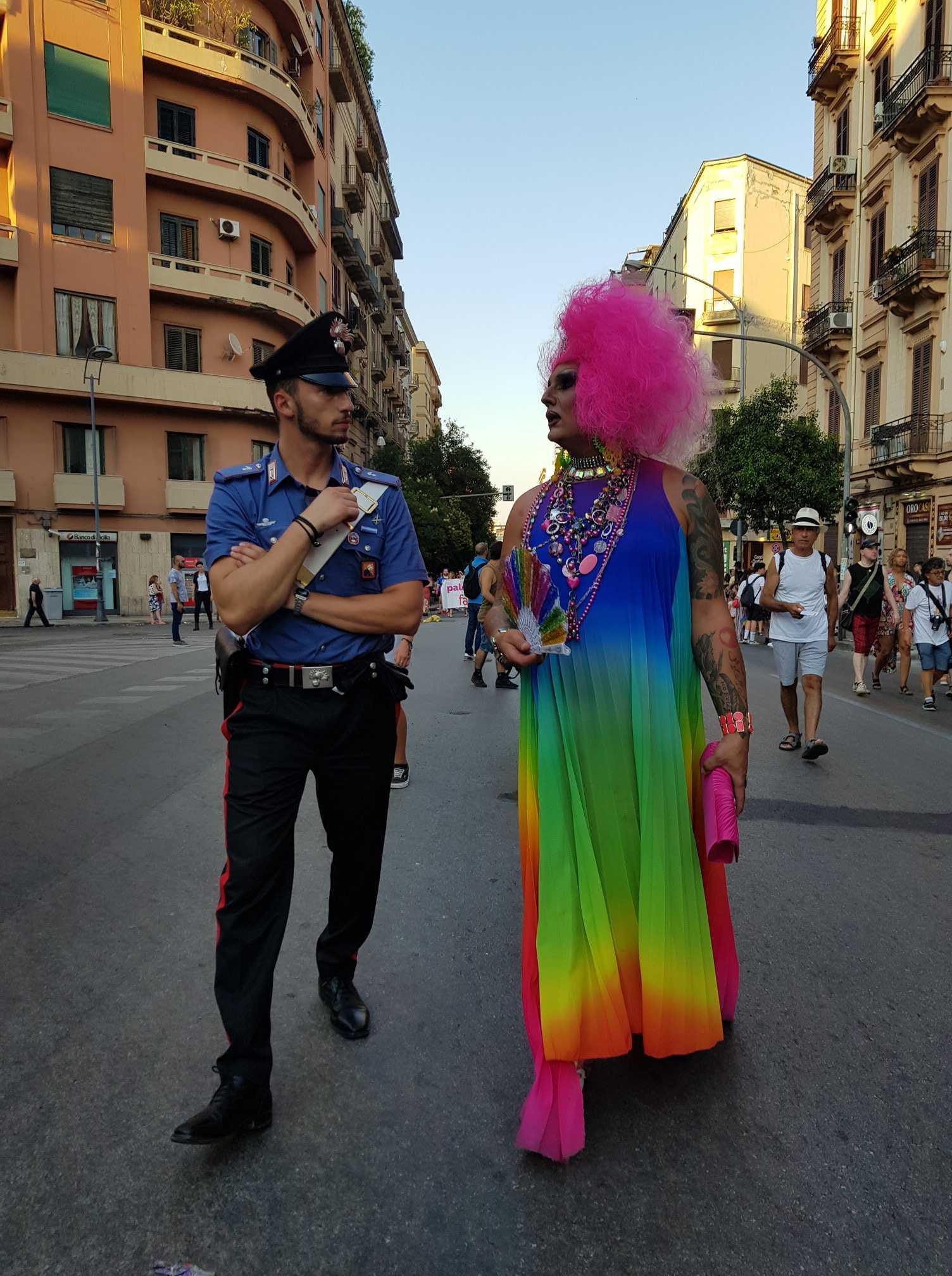 carabiniere drag queen gay pride palermo
