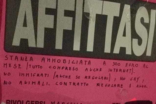 cartello-razzista-roma-638x425