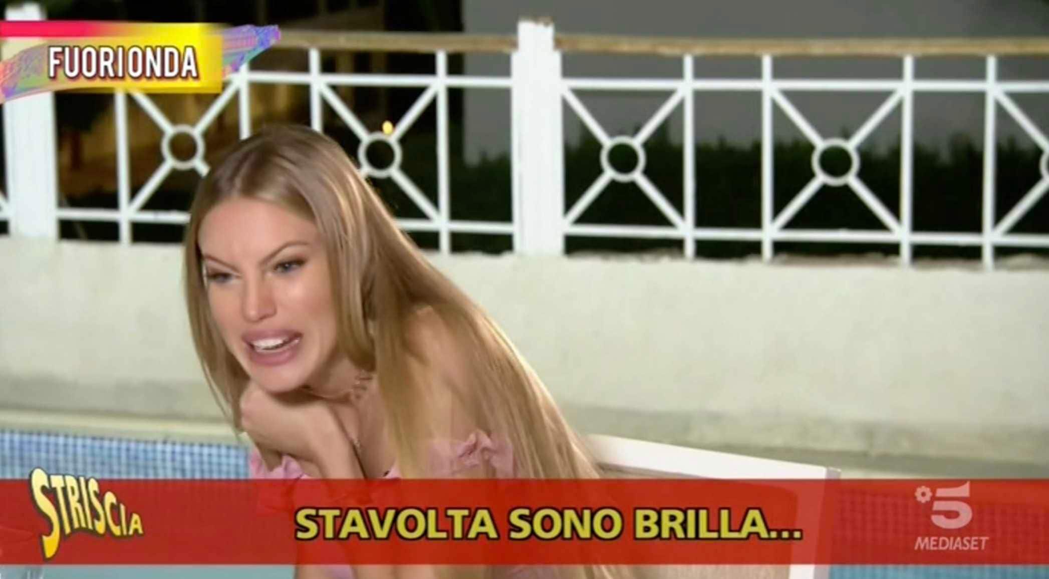 Taylor Mega Ubriaca 4