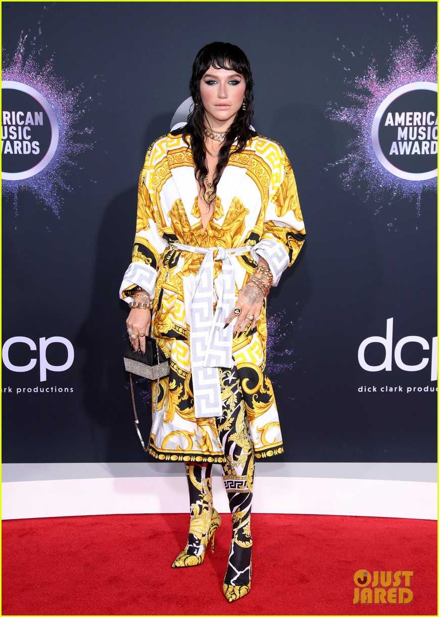 kesha-versace-robe-amas-2019-big-freedia-07