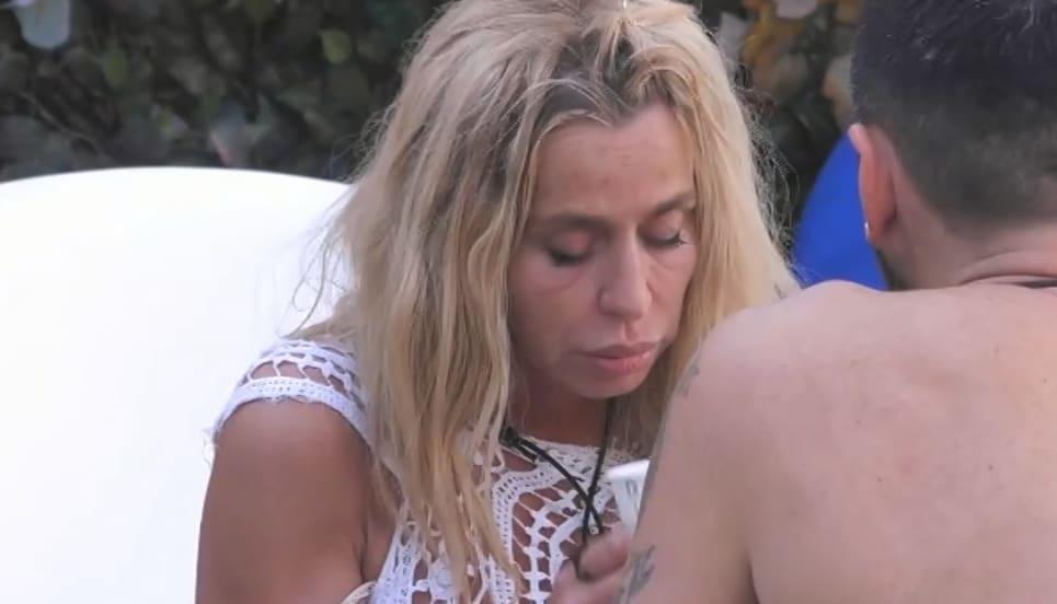 GF Vip, Valeria Marini piange