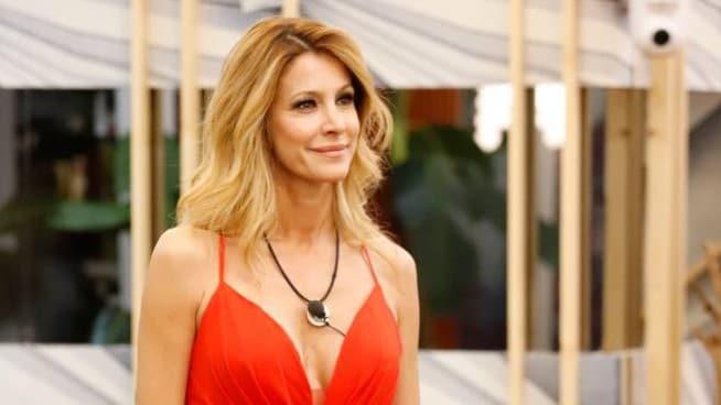 """Grande Fratello Vip: doppia eliminazione, finalista e Adriana Volpe in """"Casa"""""""