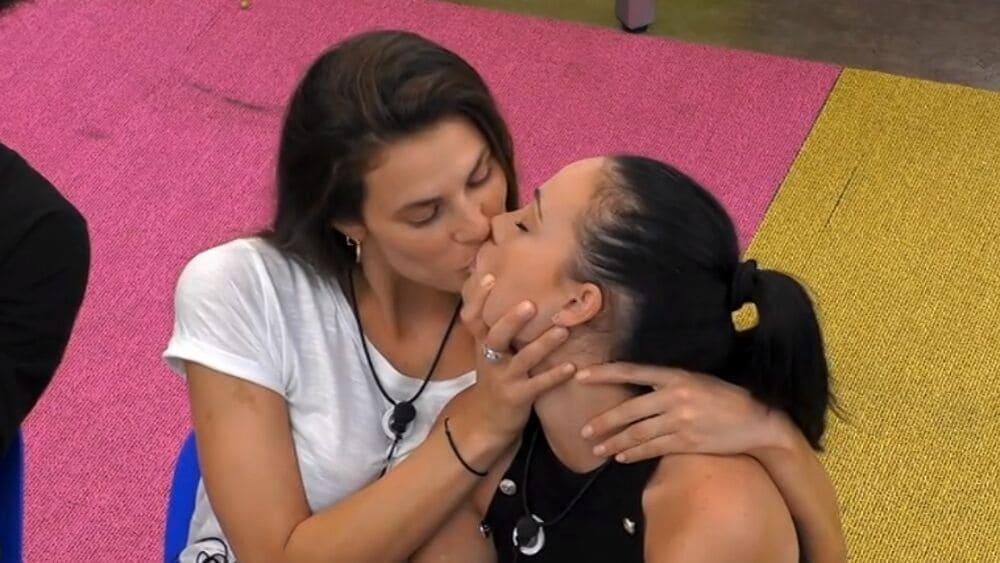 GF Vip, fidanzato di Rosalinda parla dei baci con Dayane