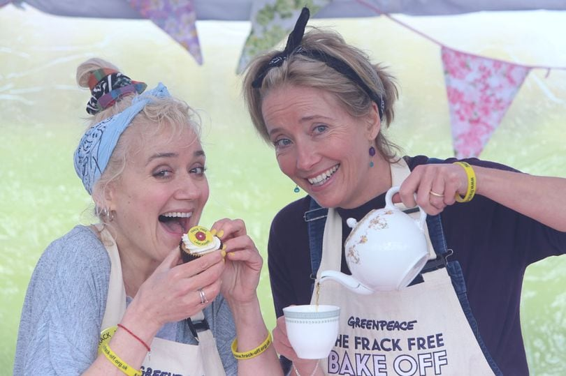 Actors-Emma-Thompson-and-her-sister-Sophie
