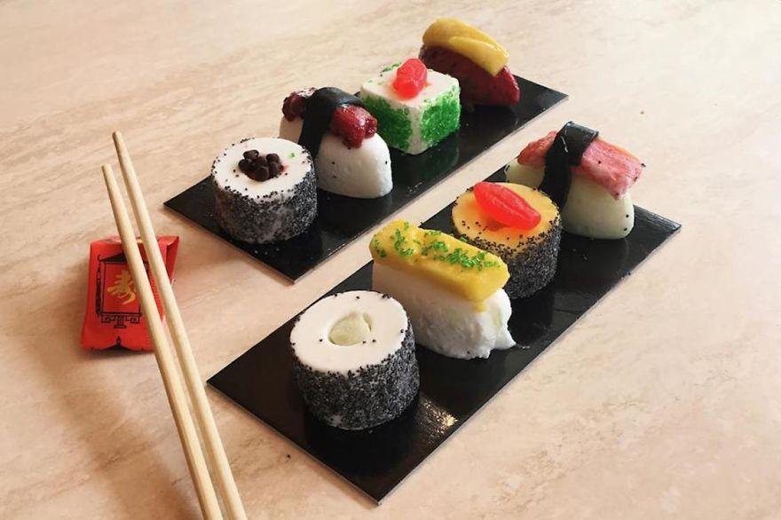La nuova moda del gelato sushi