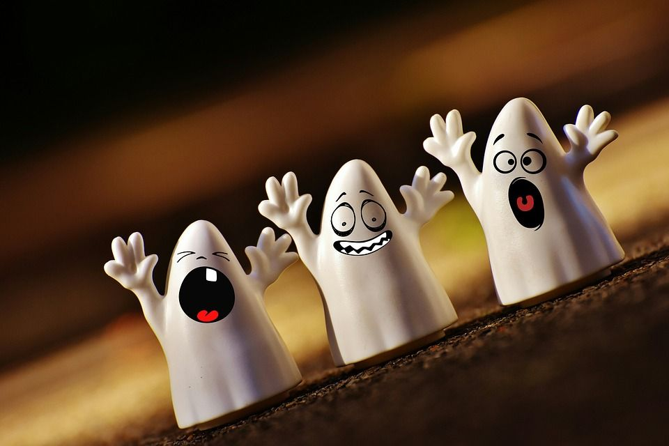 Chiamano la polizia per una casa infestata dai fantasmi