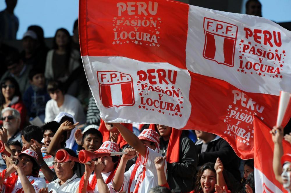tifoso peruviano diventato obeso per vedere la partita commenti memorabili