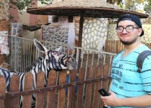 Lo studente allo zoo del Cairo