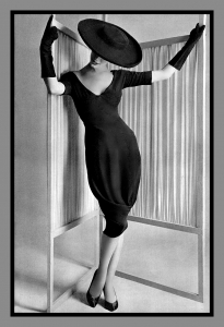 Perfect-Style-of-Vintage-High-Fashion-Photography-with-Photos-of-High-Fashion-Design-at-Galleries