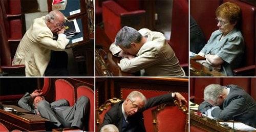 Tutte le foto di quelli che dormono in parlamento for Parlamentari italiani numero
