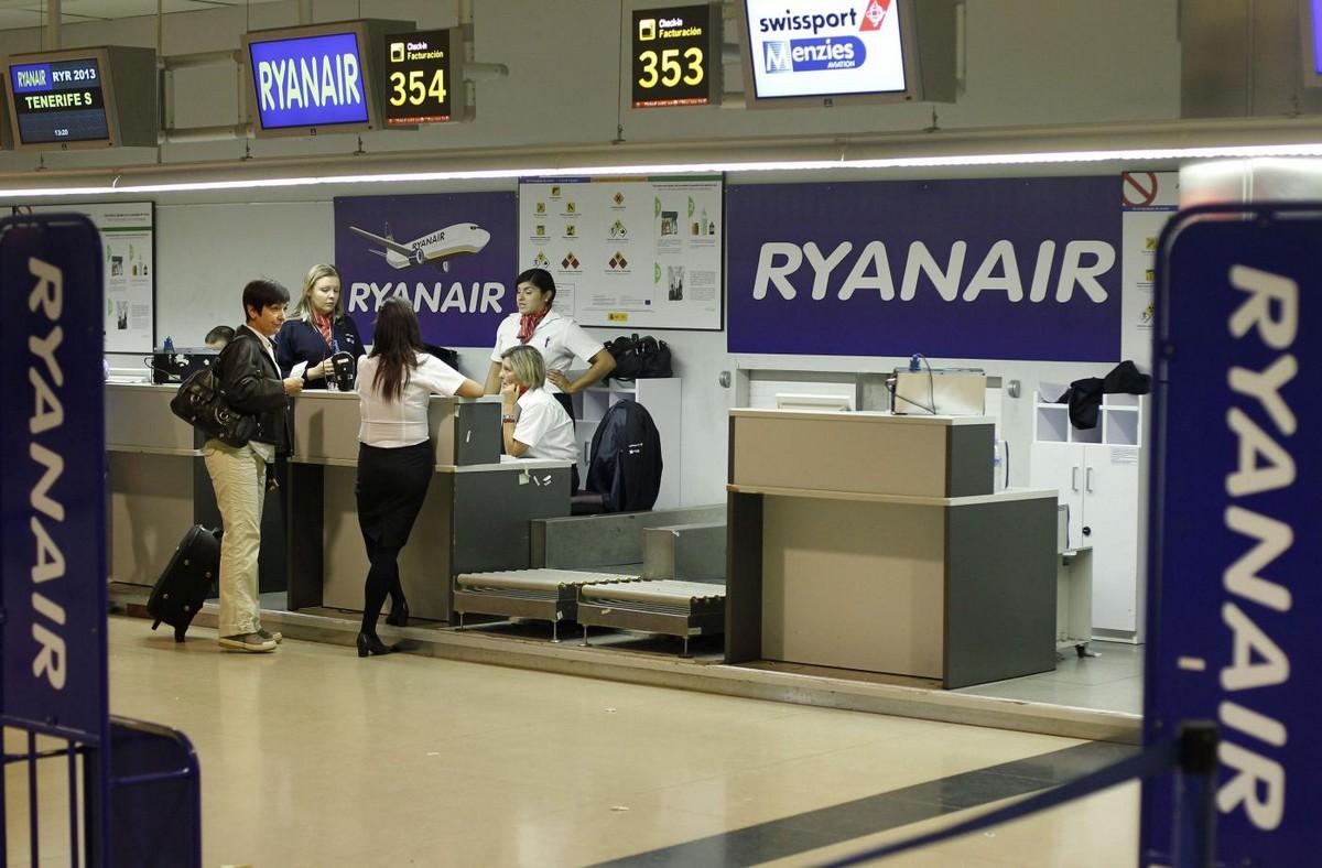 assistente-di-volo-ryanair (10)
