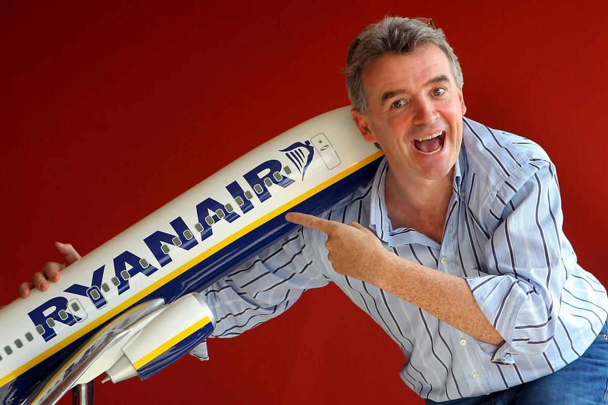 assistente-di-volo-ryanair (11)