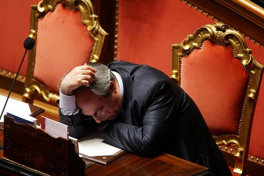 parlamentari che dormono 10