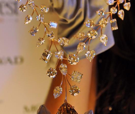 vasto assortimento materiale selezionato autentico La collana più costosa del mondo viene dalla spazzatura ...
