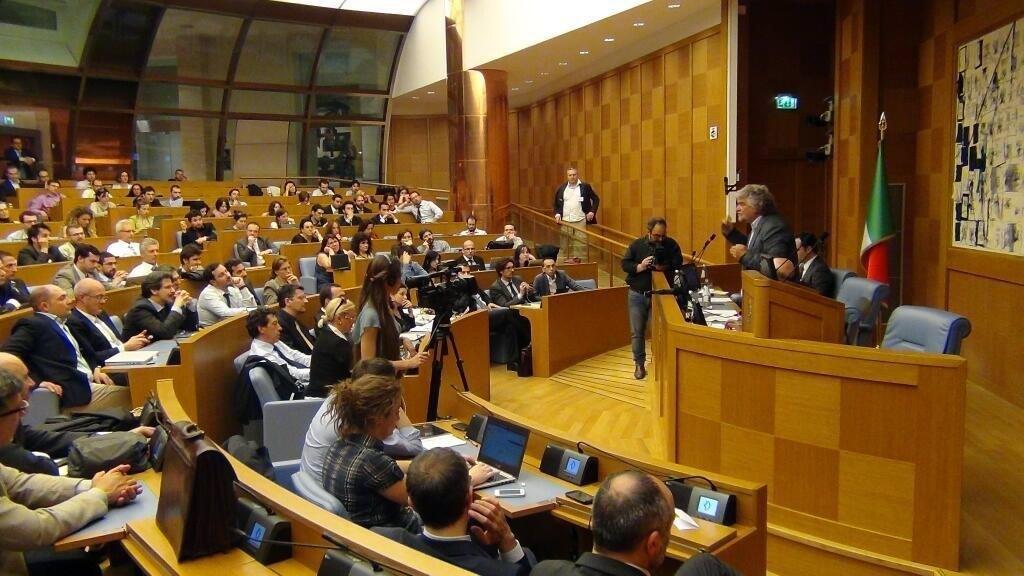 Come spendono i tuoi soldi i parlamentari del movimento 5 for I parlamentari